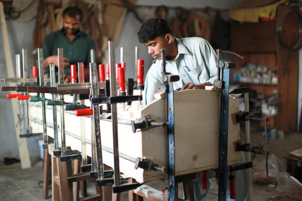 volgende kist radboud spruit grafkisten pakistan nieuws